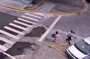 El video del asalto fue divulgado este miércoles por el Ministerio de Seguridad Pública, en su cuenta de Twitter.