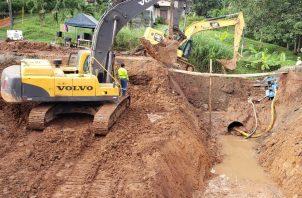 El MOP ha podido avanzar en un 60% en los trabajos de reparación en la vía colapsada. Foto: Eric A. Montenegro
