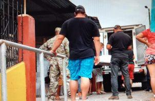 El cadáver fue trasladado a la morgue judicial para determinar las causas de su muerte. Foto: José Vásquez
