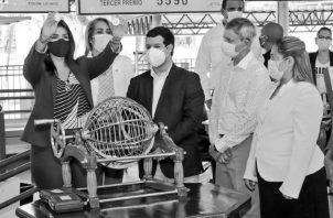 La Lotería ha sido un botín político, como muchas otras instituciones públicas. La clase política ha sido irreverente con su pueblo y se ha atrevido a jugar con instituciones que son un ícono en la sociedad panameña. Foto: Cortesía LNB.
