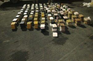 La supuesta droga decomisada en Colón estaba oculta en dos contenedores en el Puerto de Cristóbal. Foto: Cortesía Senan