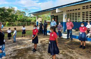 Inicio de clases en la escuela Rincón Largo de Soná, única en la provincia de Veraguas incluida dentro del grupo de las primeras cien. Foto: Cortesía Meduca