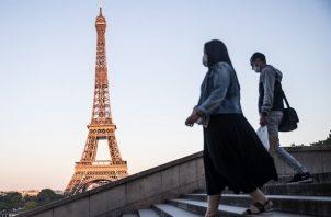 Francia notificó ayer, lunes, 1,211 casos de coronavirus. Foto: EFE