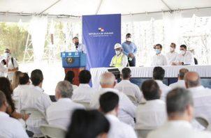 La entrada de operación de la Generadora Gatún a la matriz energética contribuirá a estabilizar la tarifa eléctrica nacional, aseguró el presidente Cortizo. Foto: Cortesía