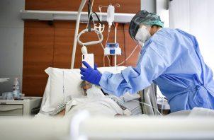 De los casos activos de covid-19, 6,030 pacientes están en casa, 353 en hoteles y 429 hospitalizados. Foto: Archivo