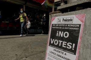 Propaganda política que invita a no votar en la ciudad de Tijuana, estado de Baja California (México). Foto: EFE