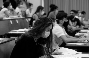 Ni el pensamiento crítico ni la acción de vinculación universidad-sociedad transformadoras están ausentes del panorama universitario panameño actual.  Foto: EFE.