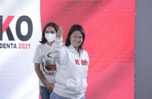 De ganar las elecciones, Keiko Fujimori eludiría mientras dura su mandato una acusación de más de 30 años de cárcel por presunto lavado. EFE