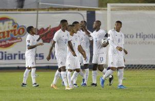 Los jugadores de la selección de Panamá celebran un gol. Foto: EFE
