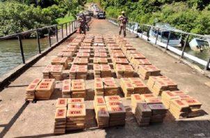 El sábado se incautaron 1,600 paquetes de sustancias ilícitas. Foto. Mayra Madrid