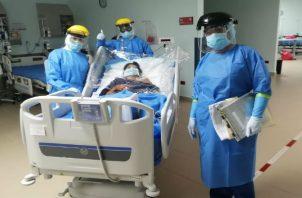 Hay 76 pacientes con covid-19 en unidades de cuidados intensivos. Foto: Archivo
