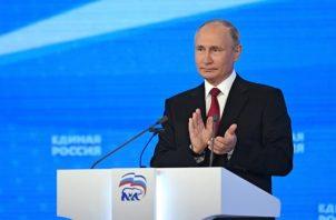 Putin felicita a Raisí y le transmite el deseo de fortalecer las relaciones.