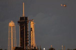 Vista de un cohete Falcon 9 deSpaceX lanzado en noviembre de 2020. Foto:EFE