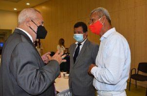 La propuesta de Fenasep fue presentada y sustentada por su representante principal en la comisión temática, José Alba (Izquierda). Foto: Archivo