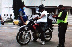 Los repartidores deben tener todos sus documentos y estado del vehículo al día. Foto: Thays Domínguez