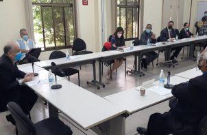 La Comisión Evaluadora realizará mañana el sorteo para las entrevistas. Foto: Víctor Arosemena