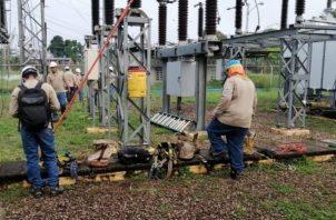 Trabajos de mantenimiento preventivo a la sub estación eléctrica de la planta potabilizadora Federico Guardia Conte de Chilibre.