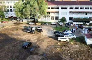 La empresa taló los árboles que estaban en los jardines del Hospital Santo Tomás.