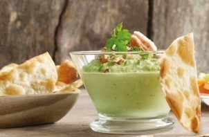 El 'dip' de tuna con aguacate se puede acompañar con tostadas o unas tortillas de trigo. Foto: Ilustrativa / Pixabay