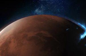 Primeras fotografías de una aurora discreta en la atmósfera del lado nocturno de Marte. EFE