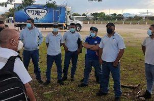 Los trabajadores se mantendrán afuera de las instalaciones de la empresa. Cortesía