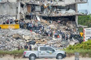Hay más de 800 personas asignadas a la operación de rescate, con distintos cometidos, de acuerdo a las autoridades. Foto: EFE
