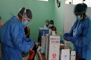 En la provincia se utilizarán 40 centros de vacunación, donde se espera atender a unas 40,690 personas que cumplan con el requisito de 16 años en adelante. Foto: Thays Domínguez