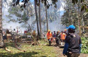 Más de 40 muertos en accidente de un avión militar en el sur de Filipinas. Foto: EFE