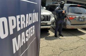 Captura a trabajadores del puerto de Balboa supuestamente vinculados a delitos relacionados con droga. Foto: Cortesía MP