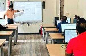 El Inadeh habilitará cinco cursos más para los beneficiarios del vale digital. Foto: Cortesía Indeh