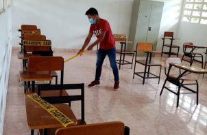 Escuelas del interior del país son las más afectadas. Foto: Archivo