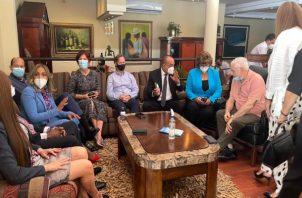 El expresidente Ricardo Martinelli se reunión con diputados de la bancada de CD. Foto: Cortesía RM
