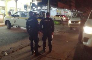 Unas 200 personas fueron retenidas el pasado fin de semana en Panamá Oeste por violar la cuarentena y la Ley Seca. Foto: Eric Montenegro