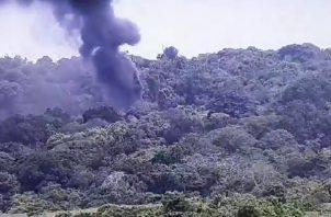 La explosión, seguida de una gruesa columna de humo negro, fue captada por las cámaras del Centro de Operaciones Nacionales. Foto: Eric Montenegro