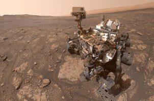"""Imagen del """"róver"""" de la Nasa """"Curiosity"""" explorando el cráter Gale en el planeta rojo. Foto: Nasa/Cedida por el Instituto Nacional de Técnica Aeroespacial (INTA) del Ministerio de Defensa. EFE"""