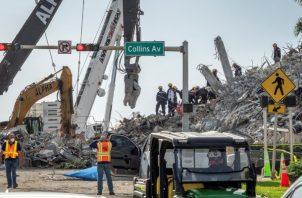 La primera dama viajó a Miami para seguir desde el lugar las tareas de rescate. Foto: EFE