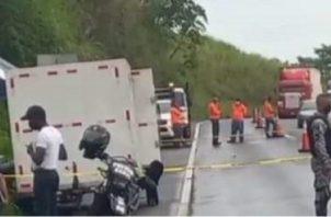Seis hombres llegaron al kilómetro 58 de la autopista Panamá-Colón disparando. Foto: Diomedes Sánchez