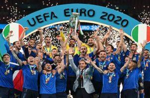 Italia conquistó la segunda Eurocopa de su historia. Foto: EFE