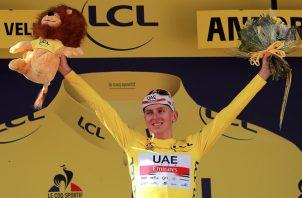 Tadej Pogacar manda en el Tour de Francia. Foto: EFE