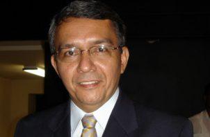El escritor y docente Ariel Barría Alvarado falleció en junio pasado. Cortesía