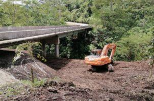 Dentro de este proyecto se trabaja en el mantenimiento de los 16 puentes vehiculares con el fin de evitar que con futuras lluvias las estructuras puedan verse afectadas. Foto: José Vásquez