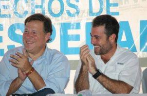 Juan Carlos Varela, expresidente de la República, y Mario Etchelecu, exministro de Vivienda.