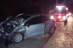 En la parte posterior del vehículo se observaron varias cámaras fotográficas. Foto: Crítica