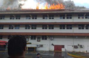 El Cuerpo de Bomberos de Panamá respondió a la emergencia en el área de Corozal a las 2:45 p.m. Foto: Cortesía @TraficoCPanama