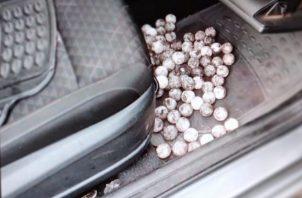 Se ubicaron los huevos dentro del vehículo propiedad del ahora imputado. Foto: Mayra Madrid