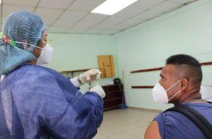 La vacunación contra la covid-19 en Panamá, en este momento, no es obligatoria. Foto: Archivo