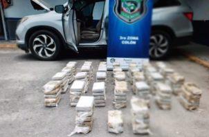 El vehículo tenía adecuaciones mecánicas para tratar de ocultar la droga. Foto: Diómedes Sánchez
