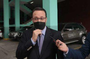 Julio Moltó, exdirector del Consejo de Seguridad, ayer a su salida de la audiencia de juicio oral por el caso de supuestos pinchazos. Víctor Arosemena