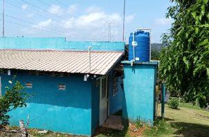 Para abastecerse, los residentes del área recogen de agua lluvia, la cual emplean en las tareas de limpieza de las viviendas. Foto: Eric Montenegro