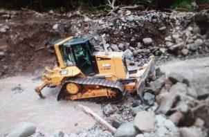 Se trabaja aceleradamente debido a que se están registrando fuertes lluvias en la zona. Foto: Mayra Madrid